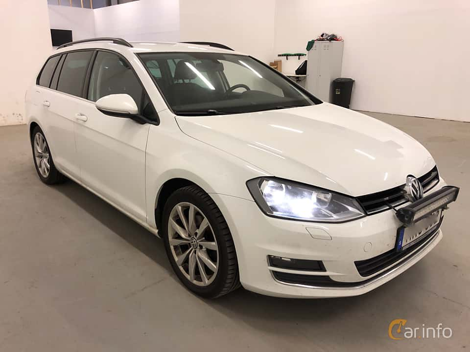 Front/Side  of Volkswagen Golf Variant 2.0 TDI BlueMotion  DSG Sequential, 150ps, 2016