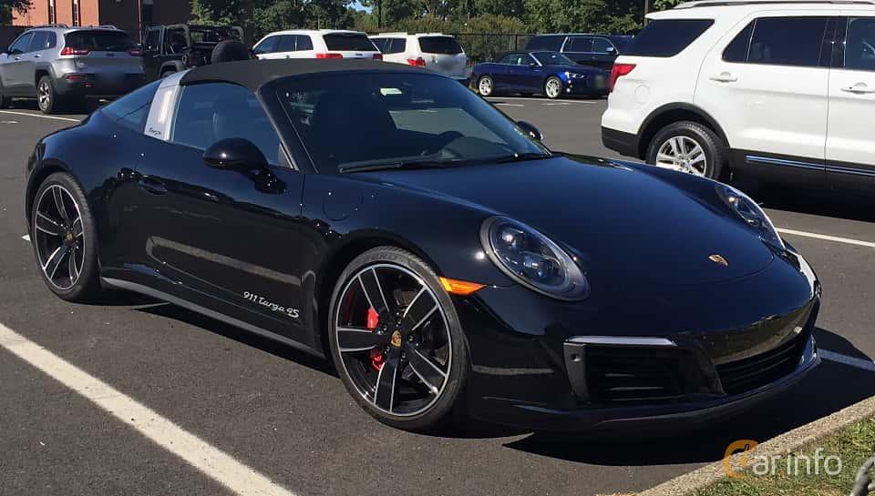 Front/Side  of Porsche 911 Targa 4S 3.0 4 420ps, 2016