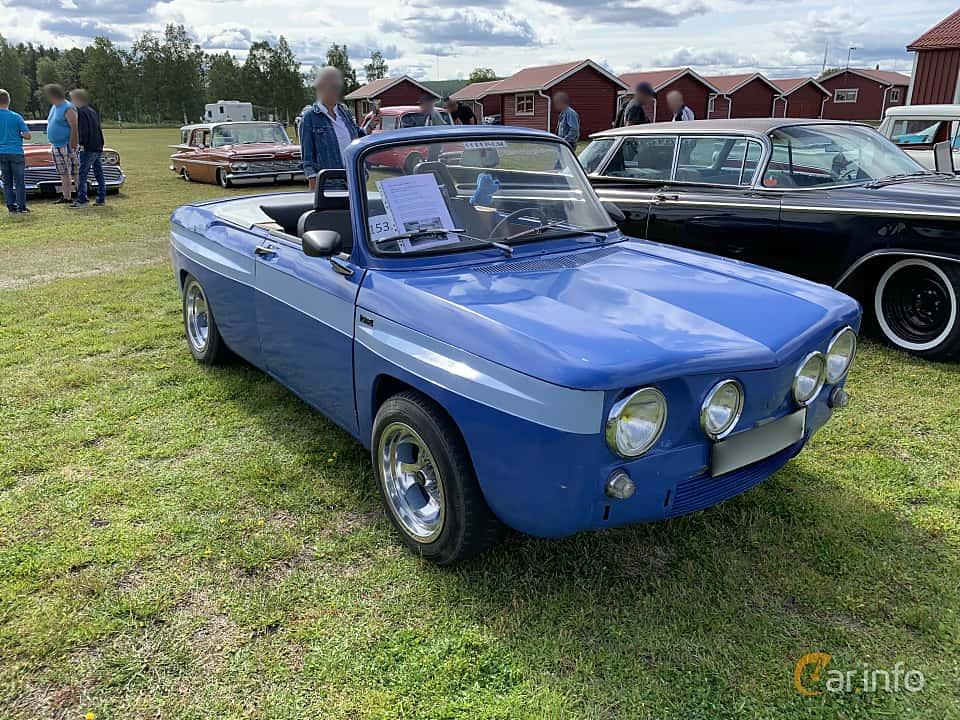 Front/Side  of Renault 8 Gordini 1.3 Manual, 101ps, 1967 at Cageswamp Summer Meet Burträsk 2019