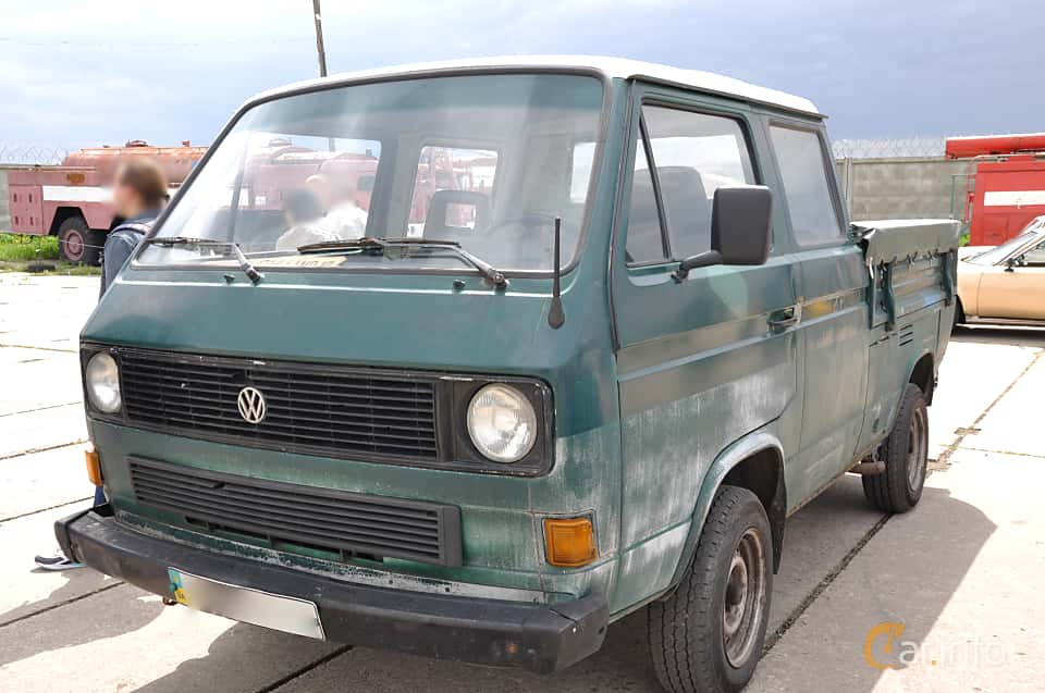 Front/Side  of Volkswagen Transporter Chassi Double Cab 1.6 D Manual, 50ps, 1986 at Old Car Land no.1 2019
