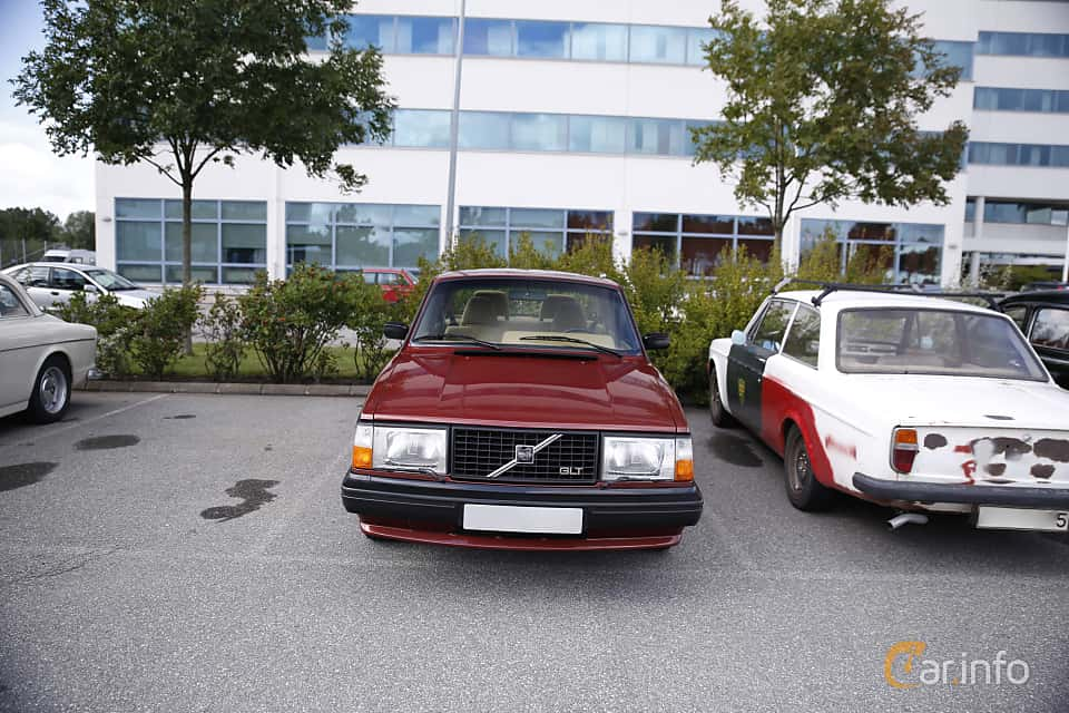 Front  of Volvo 244 1984 at Vrom - Volvo Rendezvous & Owners Meeting 2017