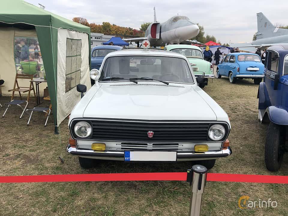 Front  of GAZ 24-13 Volga 2.4 Manual, 100ps, 1989 at Old Car Land no.2 2019
