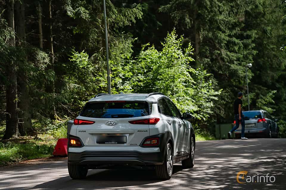Back/Side of Hyundai Kona Electric 64 kWh Single Speed, 204ps, 2019 at Svenskt sportvagnsmeeting 2019