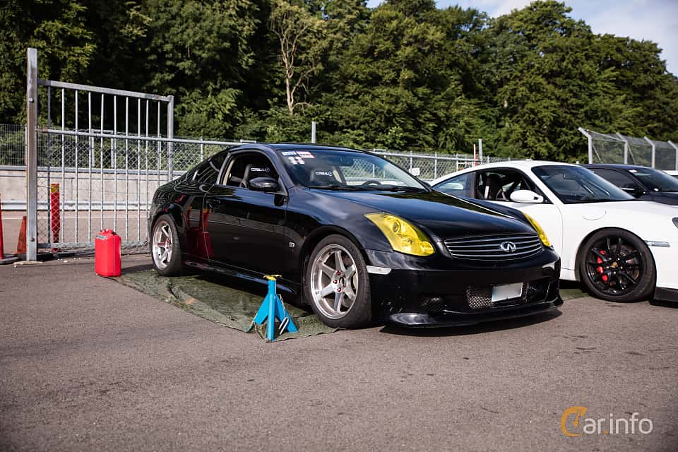 Front/Side  of Infiniti G35 Coupé 3.5 V6 Manual, 302ps, 2006 at JapTuning Trackday 2018 Knutstorp