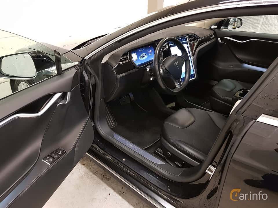 Interior of Tesla Model S 85D 85 kWh AWD Single Speed, 423ps, 2015