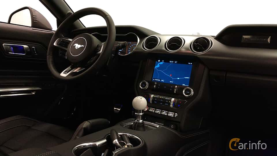 Interior of Ford Mustang GT 5.0 V8 Manual, 457ps, 2018