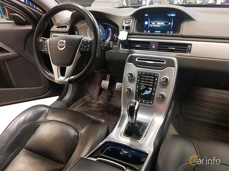 Interior of Volvo XC70 D4 Manual, 181ps, 2016