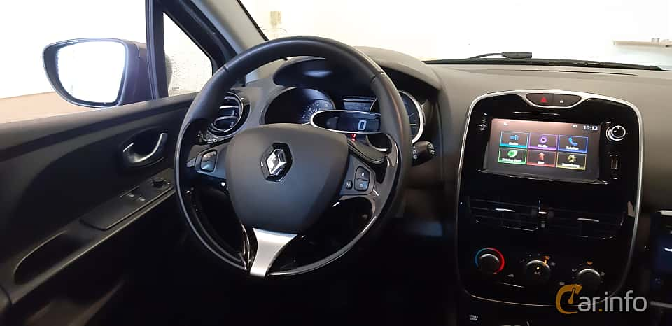 Interior of Renault Clio Grandtour 1.5 dCi Manual, 90ps, 2016