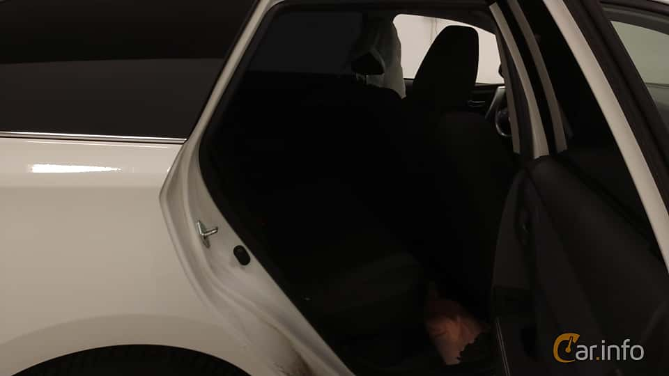 Interior of Toyota Auris Touring Sports Hybrid 1.8 VVT-i + 3JM CVT, 136ps, 2014