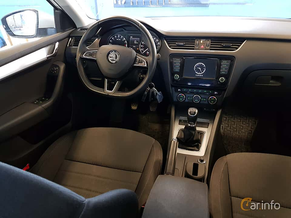 Interior of Skoda Octavia Combi 1.6 TDI Manual, 110ps, 2016