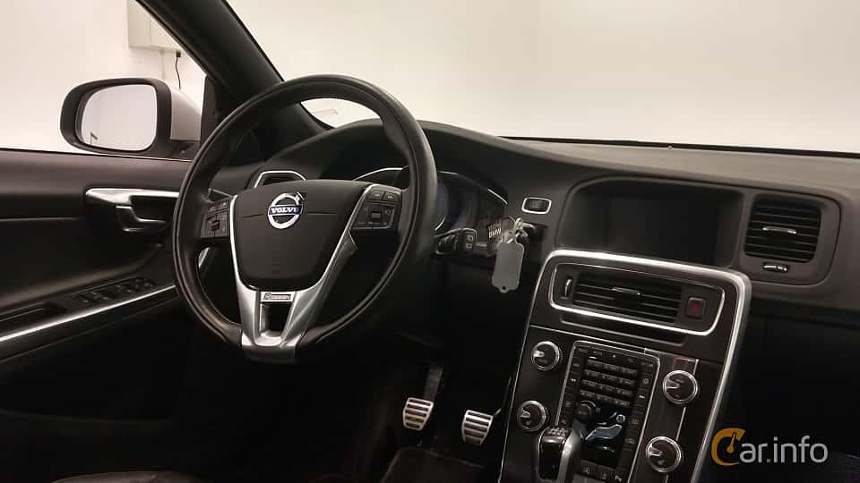 Interior of Volvo V60 D4 Manual, 190ps, 2016