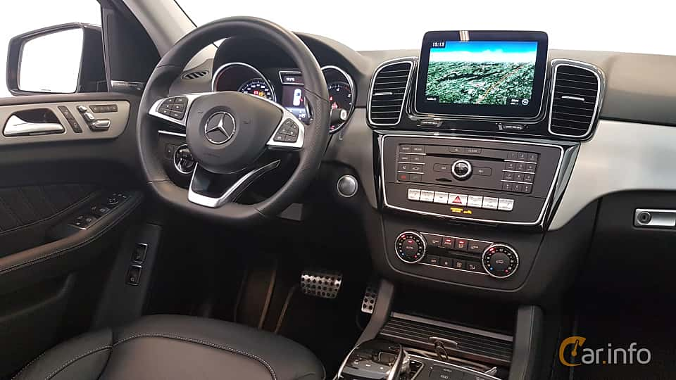 Interior of Mercedes-Benz GLE 350 d 4MATIC  9G-Tronic, 258ps, 2018