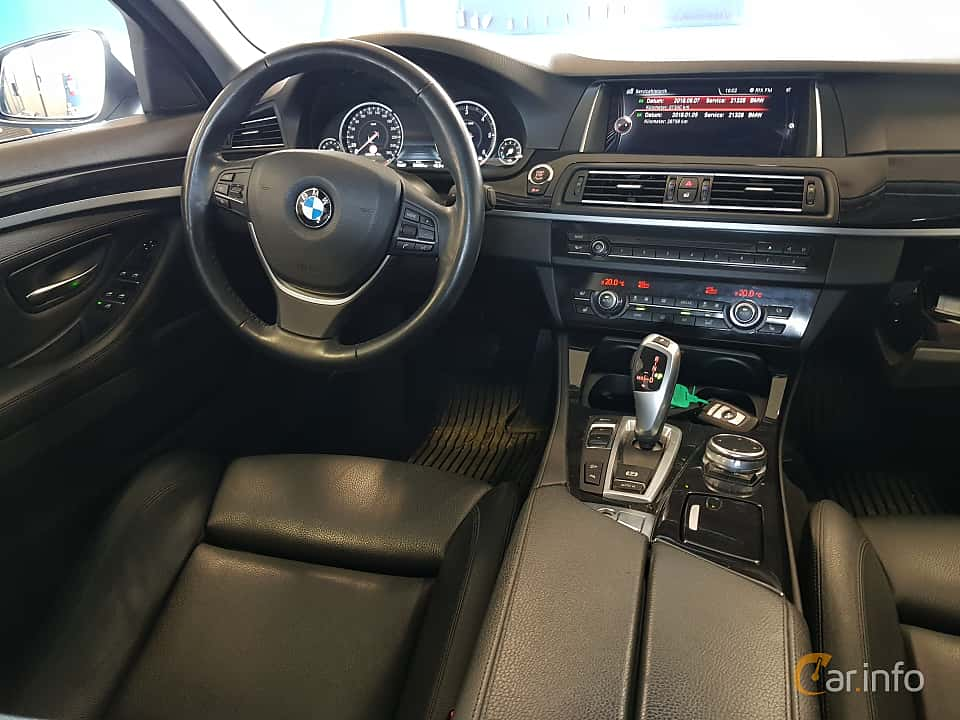 Interior of BMW 520d xDrive Touring  Steptronic, 190ps, 2017