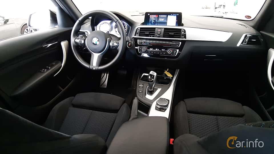 Interior of BMW 118i 5-door  Steptronic, 136ps, 2018
