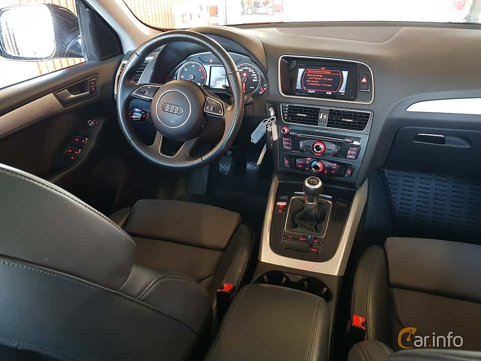Interior of Audi Q5 2.0 TDI DPF quattro Manual, 150ps, 2017