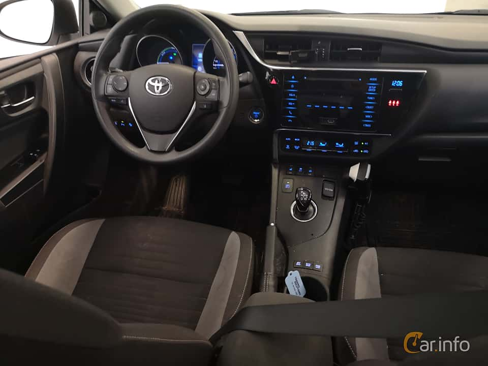 Interior of Toyota Auris Hybrid 1.8 VVT-i + 3JM CVT, 136ps, 2017