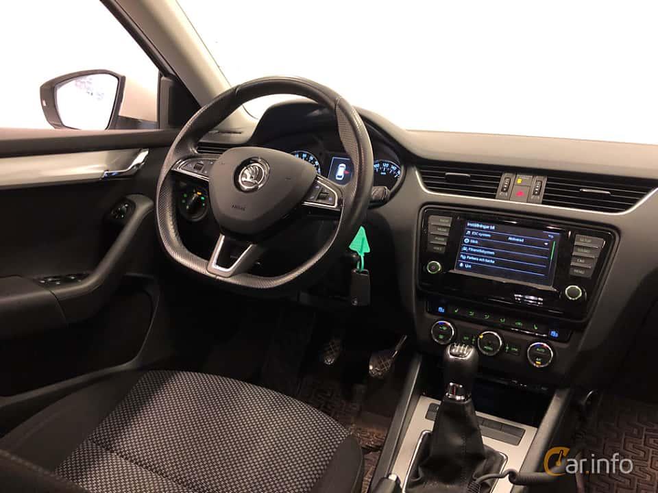 Interior of Skoda Octavia Combi 1.6 TDI Manual, 110ps, 2016