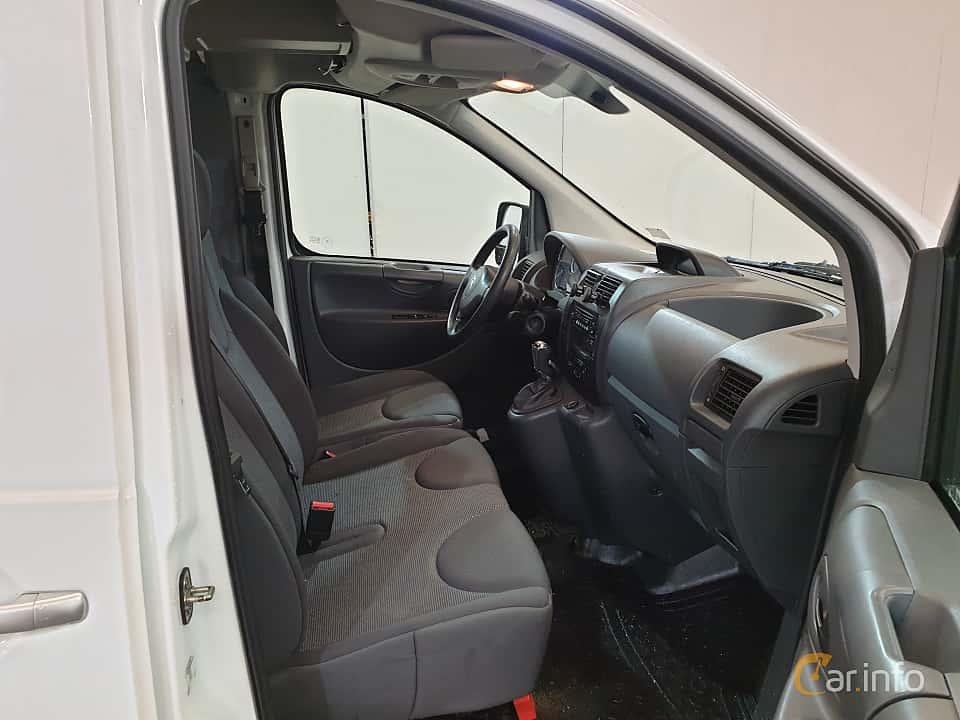 Interior of Citroën Jumpy Van 2.0 HDi Automatic, 163ps, 2016