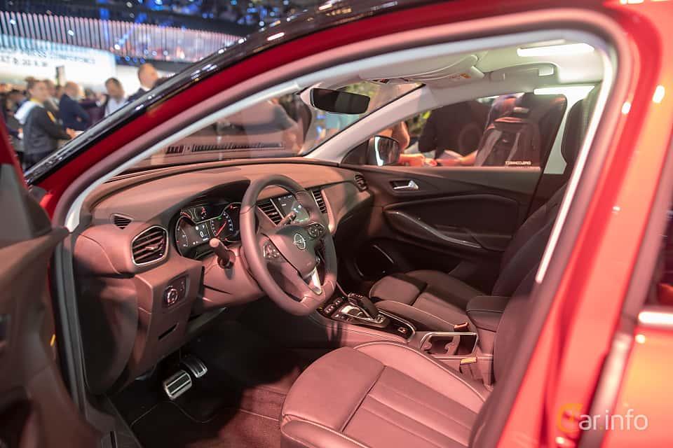 Interior of Opel Grandland X Hybrid4  Automatic, 300ps, 2020 at IAA 2019