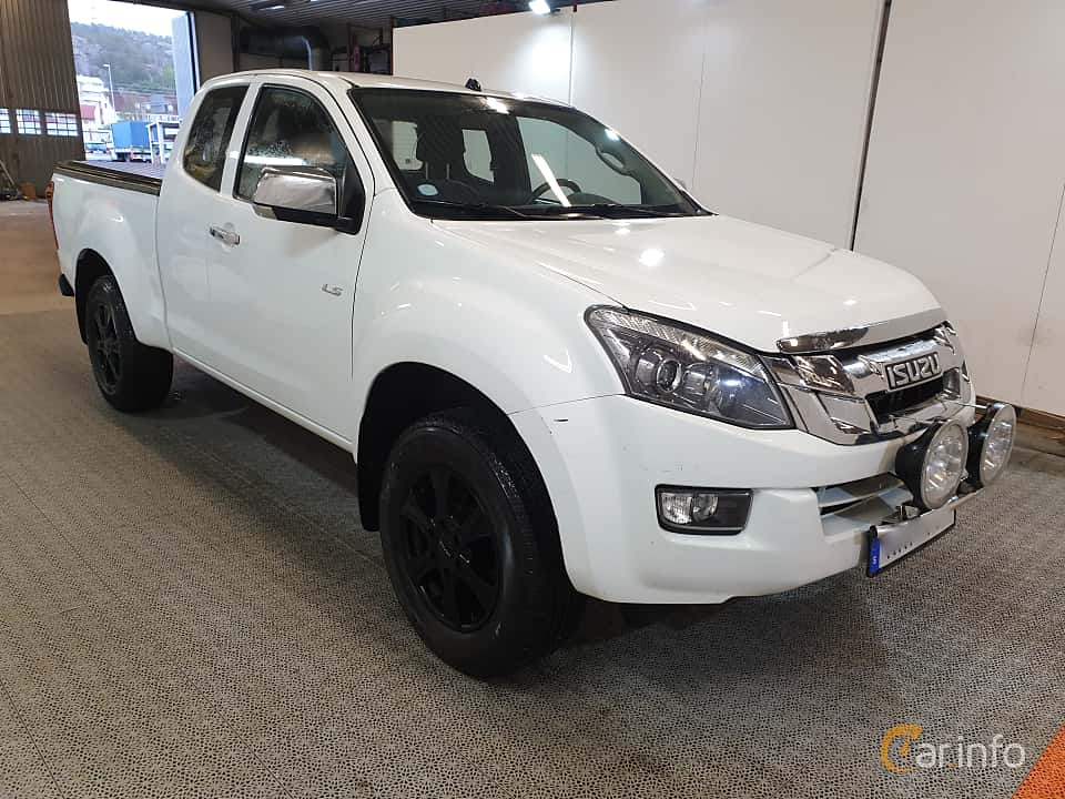 Front/Side  of Isuzu D-Max Space Cab 2.5 4WD Automatic, 163ps, 2016