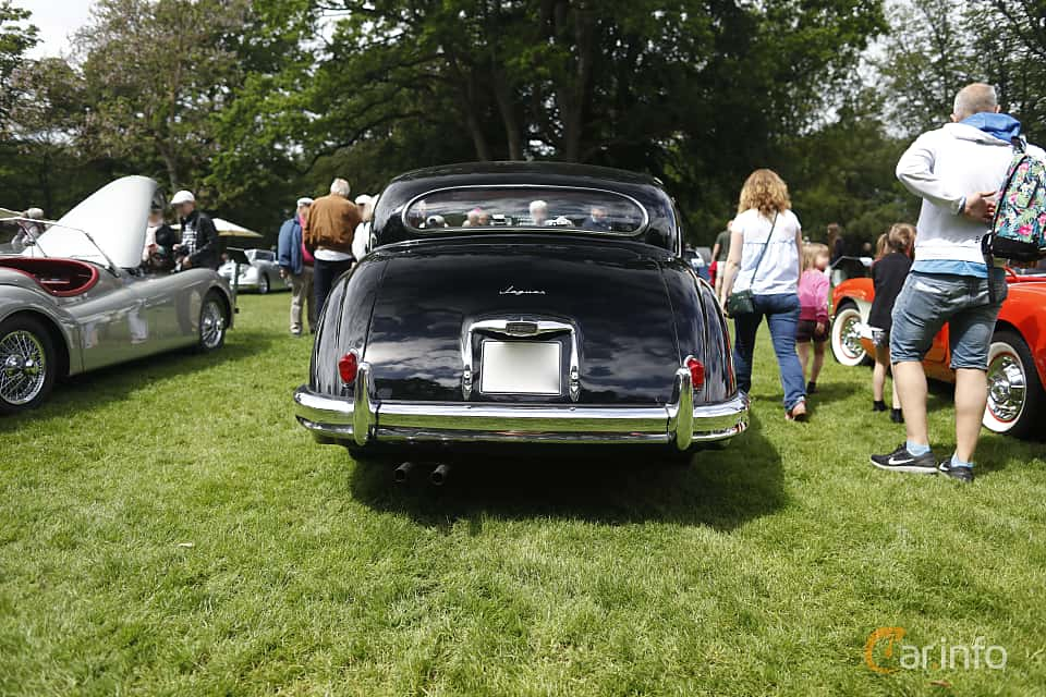 Back of Jaguar Mark VIII 3.4 Manual, 213ps, 1958 at Sofiero Classic 2019
