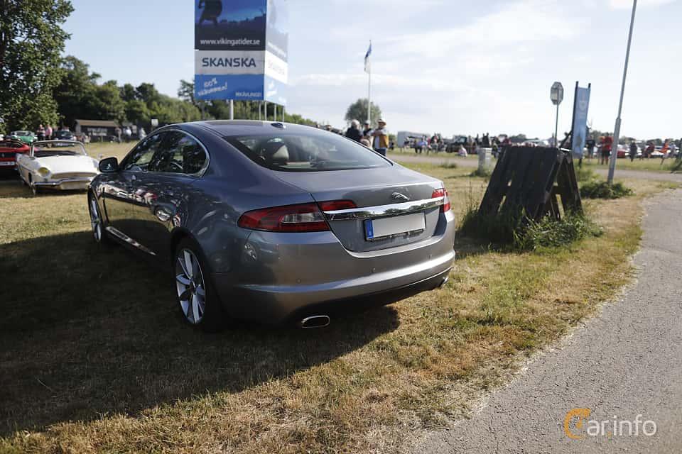 Back/Side of Jaguar XF 5.0 V8 Automatic, 385ps, 2010 at Tisdagsträffarna Vikingatider v.21 / 2018