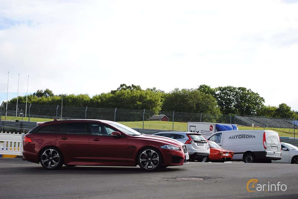 Side  of Jaguar XF Sportbrake R-S  Automatic, 550ps, 2013 at Autoropa Racing day Knutstorp 2015