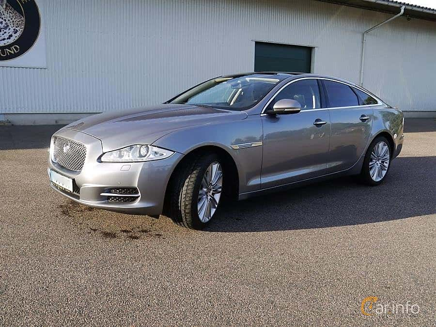 Front/Side  of Jaguar XJ 5.0 V8 Automatic, 385ps, 2012