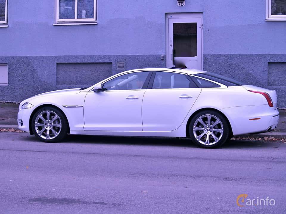 Sida av Jaguar XJ 2012