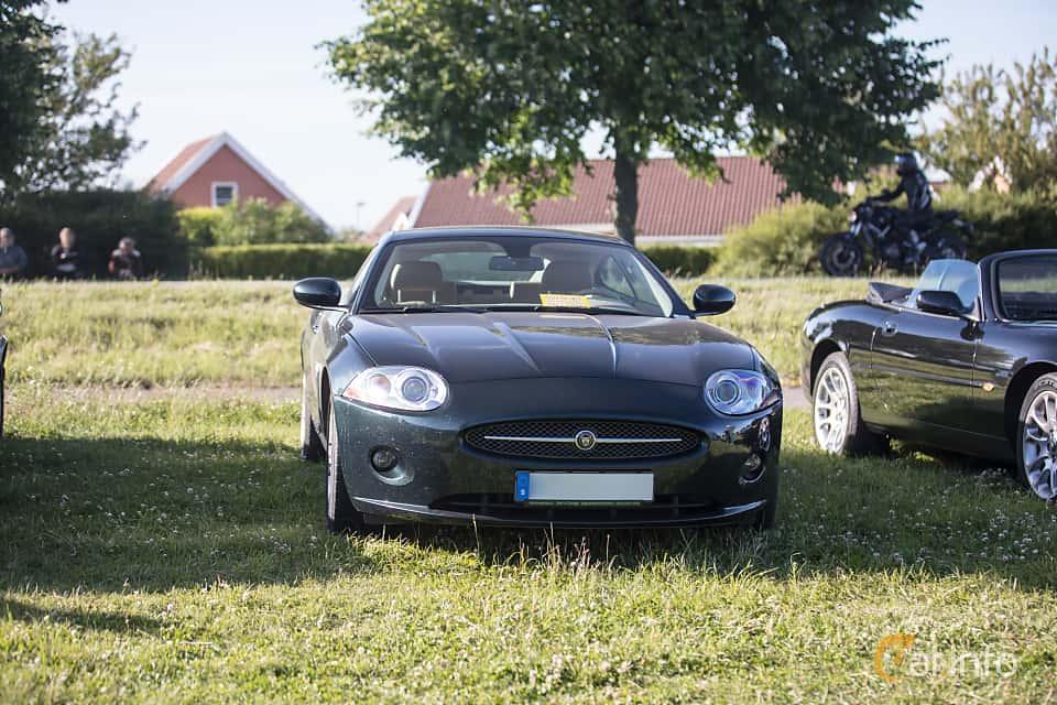 Fram av Jaguar XK 3.5 V8 Automatic, 258ps, 2008 på Tisdagsträffarna Vikingatider v.26 / 2017