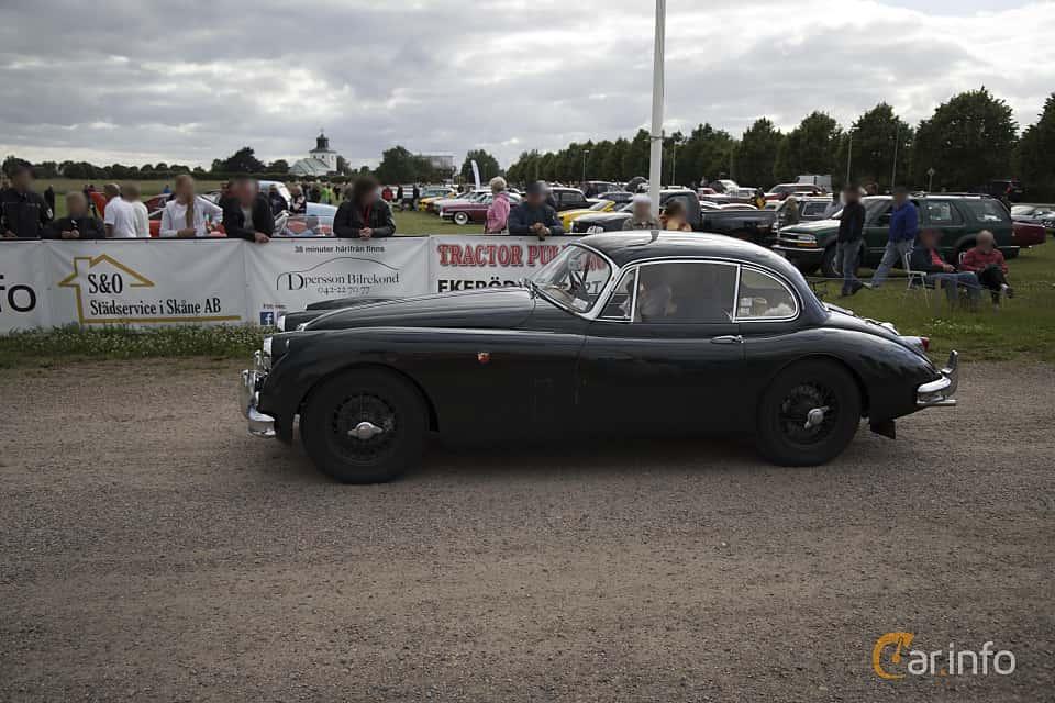 Side  of Jaguar XK150 3.4 Manual, 213ps, 1957 at Tisdagsträffarna Vikingatider v.25 / 2017