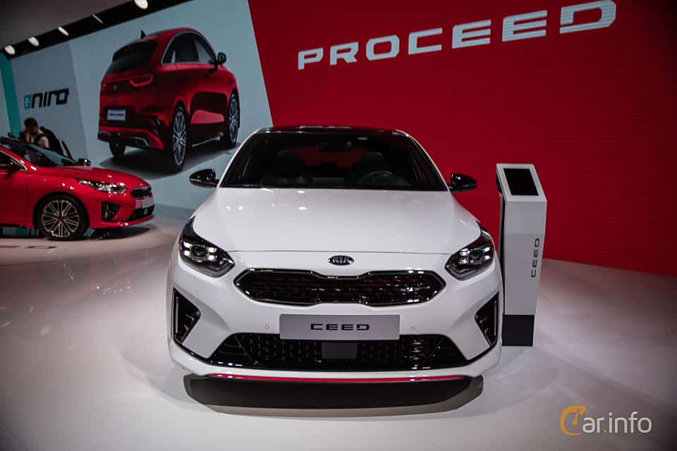 Front  of Kia Ceed GT 1.6 T-GDI DCT, 204ps, 2019 at Paris Motor Show 2018