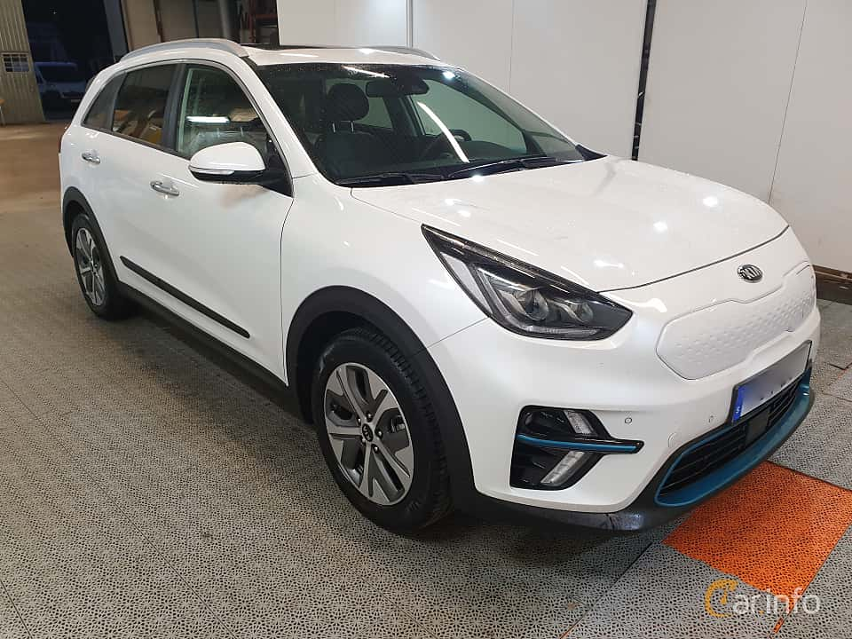 Front/Side  of Kia e-Niro 64 kWh Single Speed, 204ps, 2019