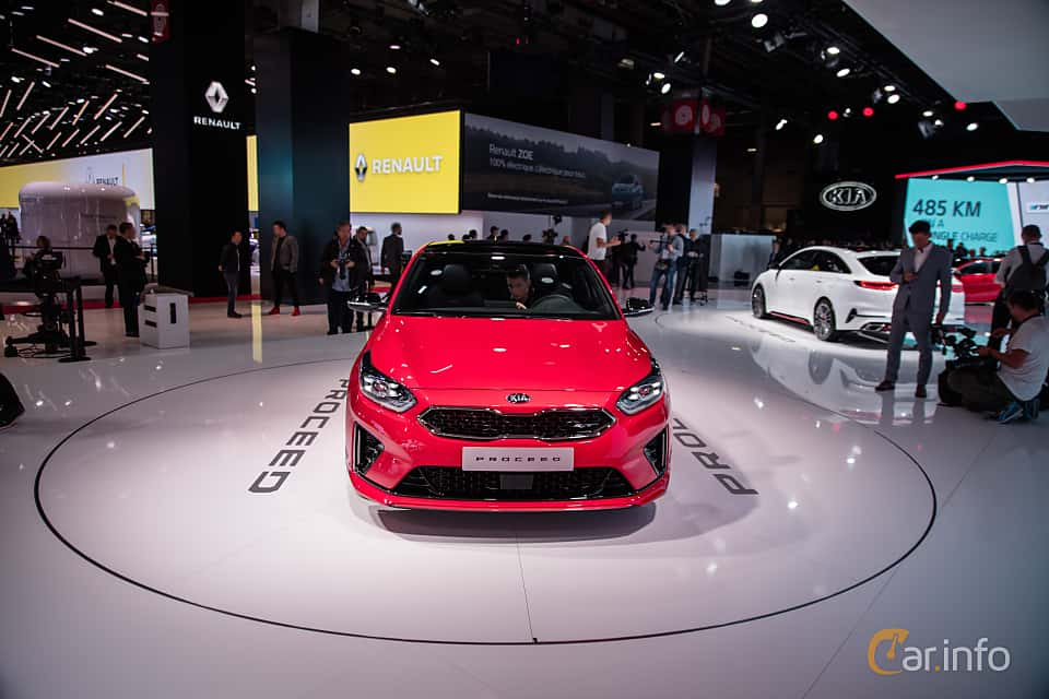 Front  of Kia ProCeed 2019 at Paris Motor Show 2018