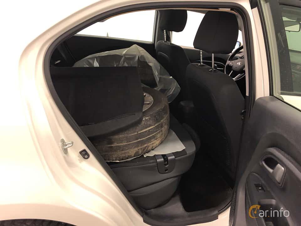 Interior of Kia Rio 5-door 1.2 CVVT Manual, 86ps, 2014