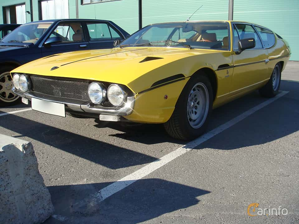 Front/Side  of Lamborghini Espada 3.9 V12 340ps, 1970