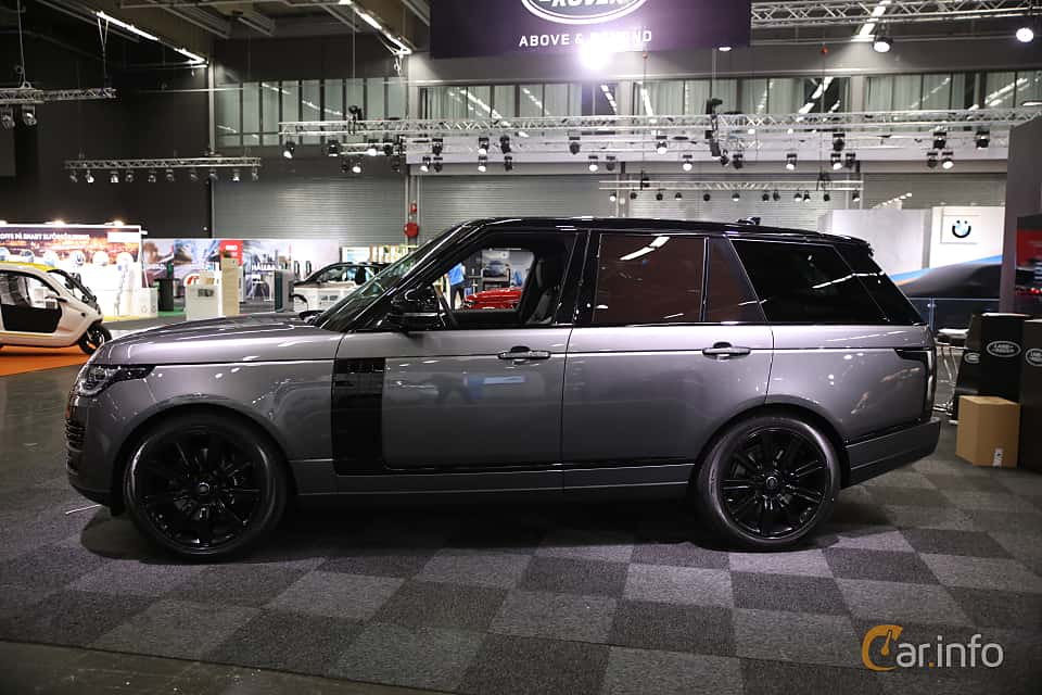 Side  of Land Rover Range Rover P400e 2.0 + 13.1 kWh 4WD Automatic, 404ps, 2019 at eCar Expo Göteborg 2018