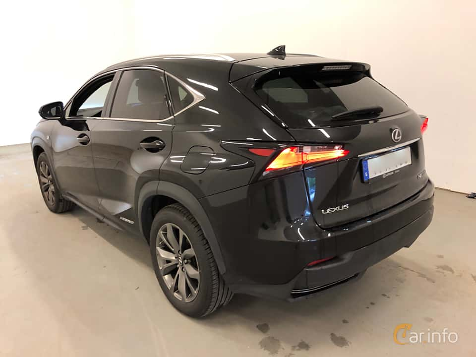 Back/Side of Lexus NX 300h AWD 2.5 AWD ECVT, 197ps, 2017
