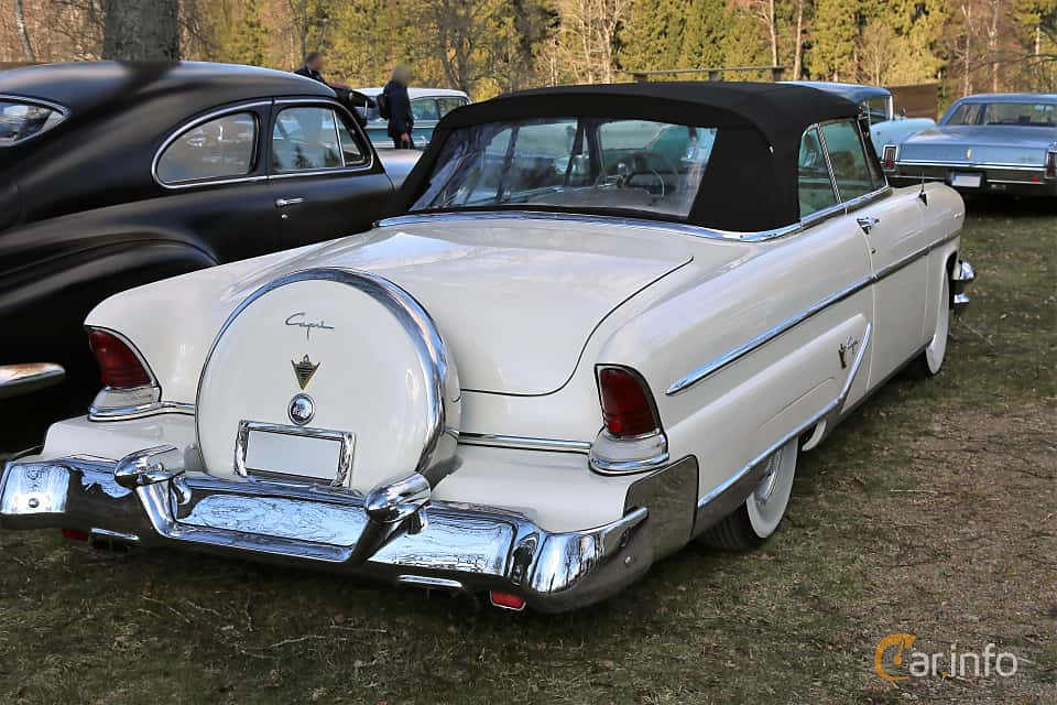Back/Side of Lincoln Capri Convertible 5.2 V8 Automatic, 228ps, 1955 at Uddevalla Veteranbilsmarknad Backamo, Ljungsk 2019