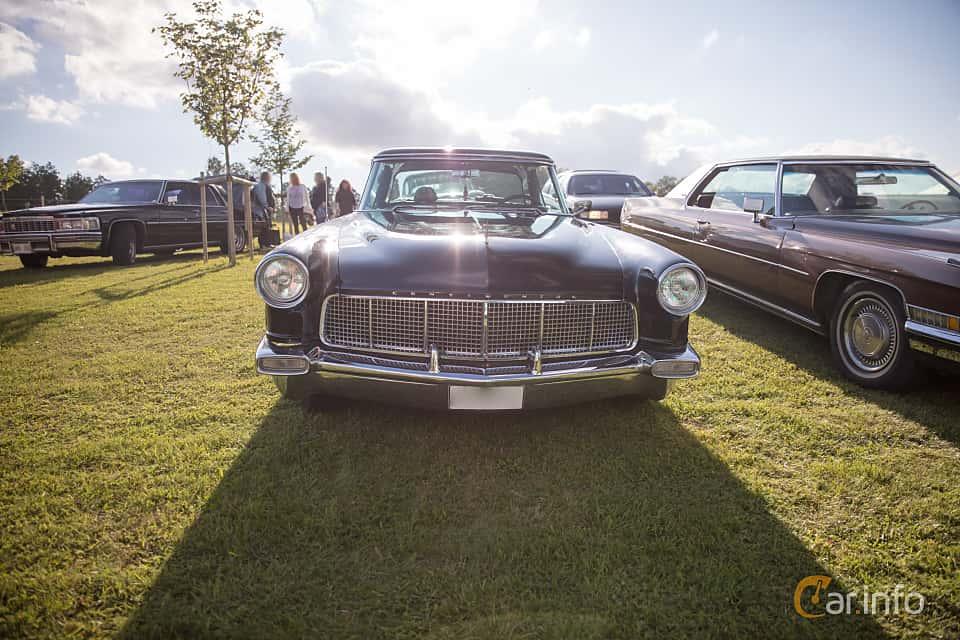 Fram av Lincoln Continental 6.0 V8 Automatic, 299ps, 1956 på Bil & Mc-café vid Tykarpsgrottan v.33 (2017)