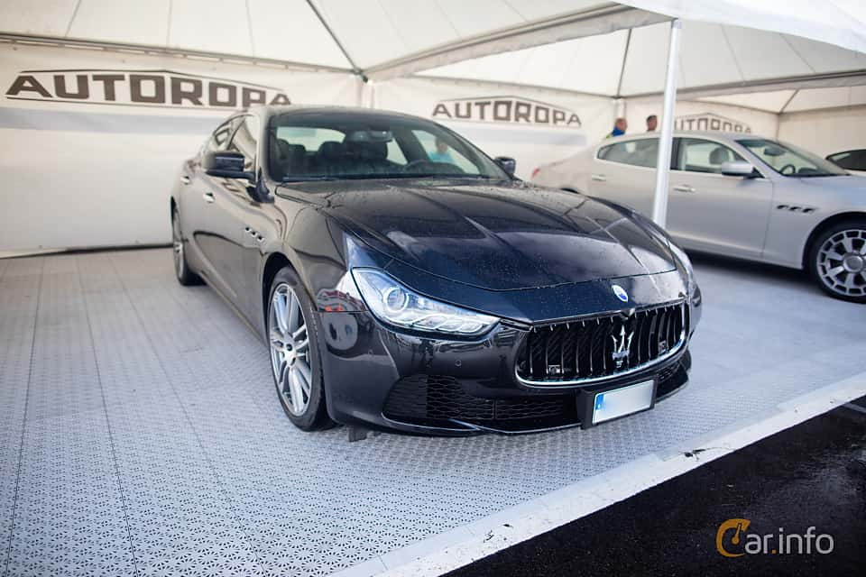 Front/Side  of Maserati Ghibli Diesel  Automatic, 275ps, 2015 at Autoropa Racing day Knutstorp 2015