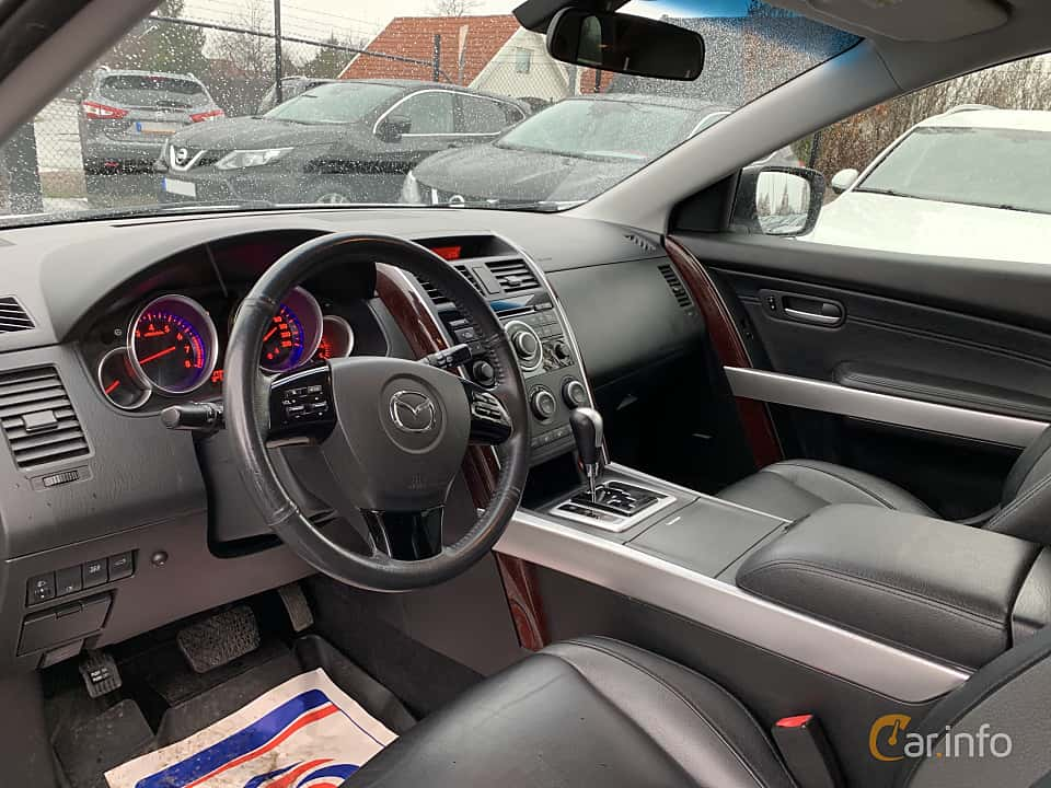 Interior of Mazda CX-9 3.7 AWD Automatic, 276ps, 2008