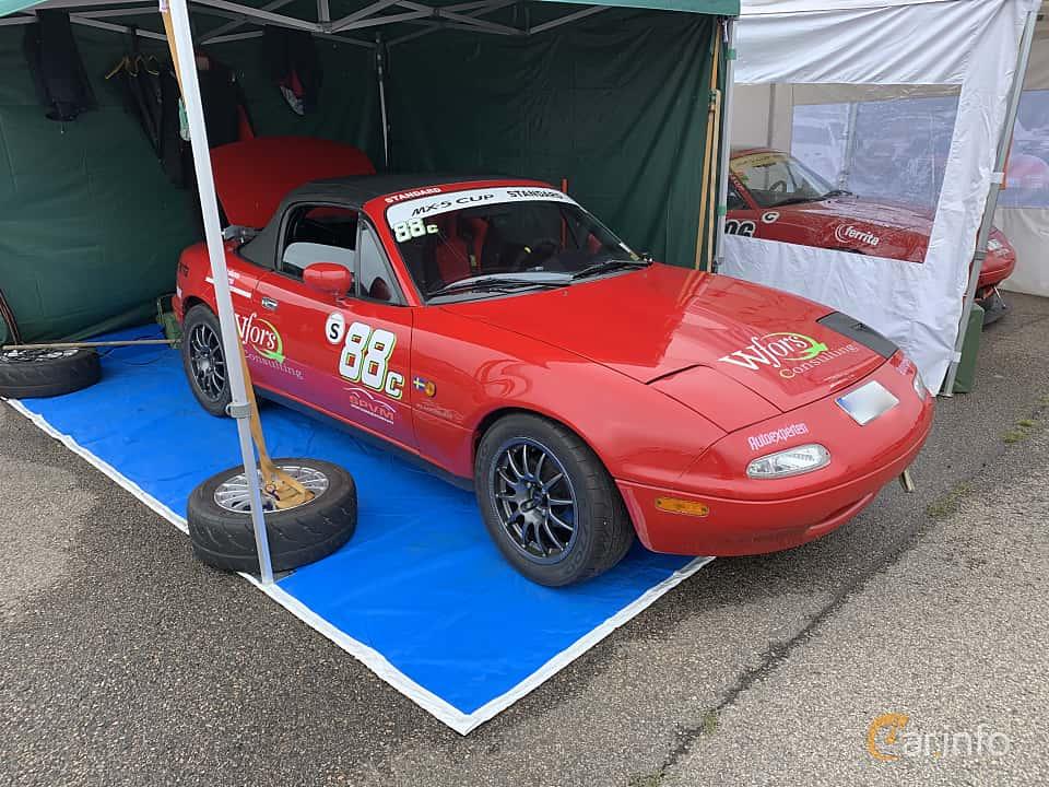 Front/Side  of Mazda MX-5 1.6 Manual, 115ps, 1991 at Svenskt sportvagnsmeeting 2019