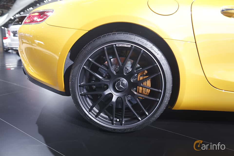 Närbild av Mercedes-Benz AMG GT S 4.0 V8 AMG Speedshift DCT, 510ps, 375kW, 2017 på North American International Auto Show 2017