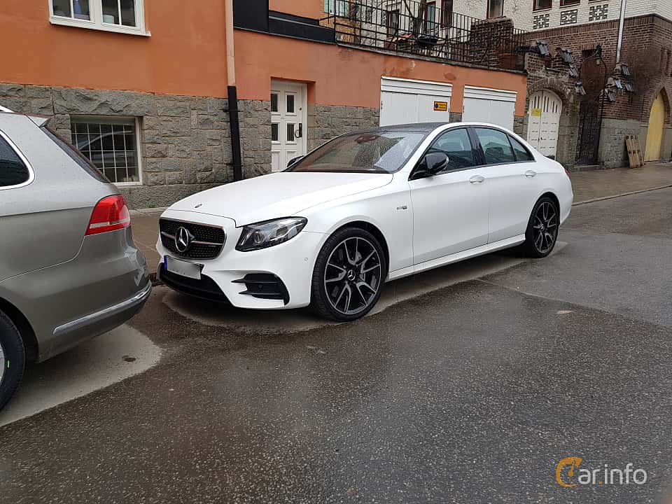 Front/Side of Mercedes-Benz AMG E 43 4MATIC 3.0 V6 4MATIC 9G-Tronic, 401ps, 2017