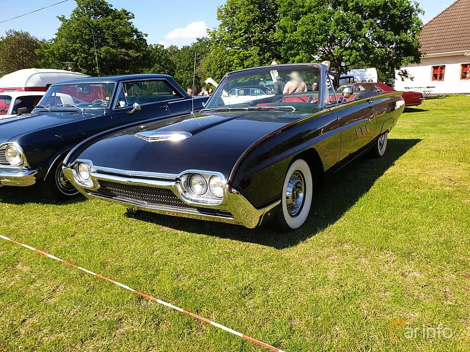 Front/Side  of Ford Thunderbird Convertible 1963 at Eddys bilträff Billesholm 2019 Tema Opel och Chevrolet