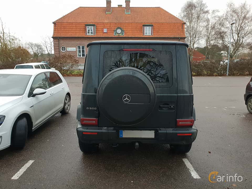 Back of Mercedes-Benz G 500  9G-Tronic, 421ps, 2019