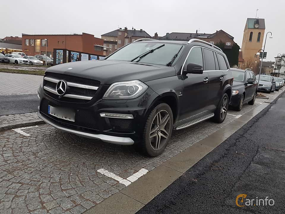 Front/Side  of Mercedes-Benz GL 63 AMG 5.5 V8 4MATIC AMG-SpeedShift Plus 7G-Tronic, 557ps, 2014