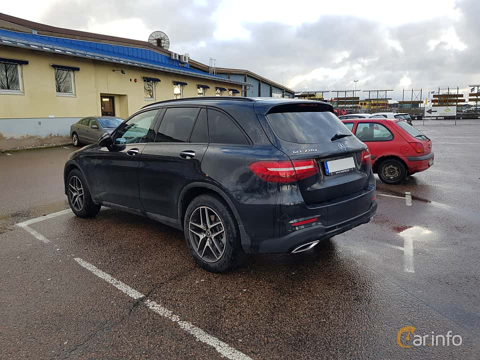 Back/Side of Mercedes-Benz GLC 220 d 4MATIC 2.2 4MATIC  9G-Tronic, 170ps, 2017