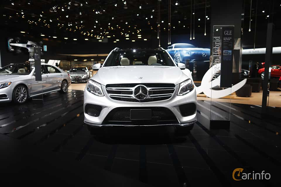 Front  of Mercedes-Benz GLE 500 e 4MATIC 3.0 V6 4MATIC 7G-Tronic Plus, 442ps, 2017 at North American International Auto Show 2017